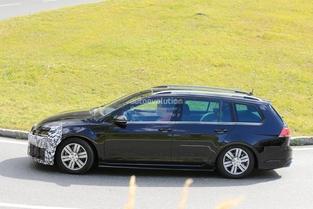 Surprise : le break de chasse Volkswagen Golf R SW restylé sort du bois