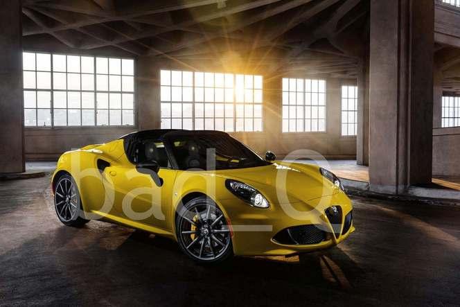 Les images officielles de l'Alfa Romeo 4C Spider fuitent sur la toile