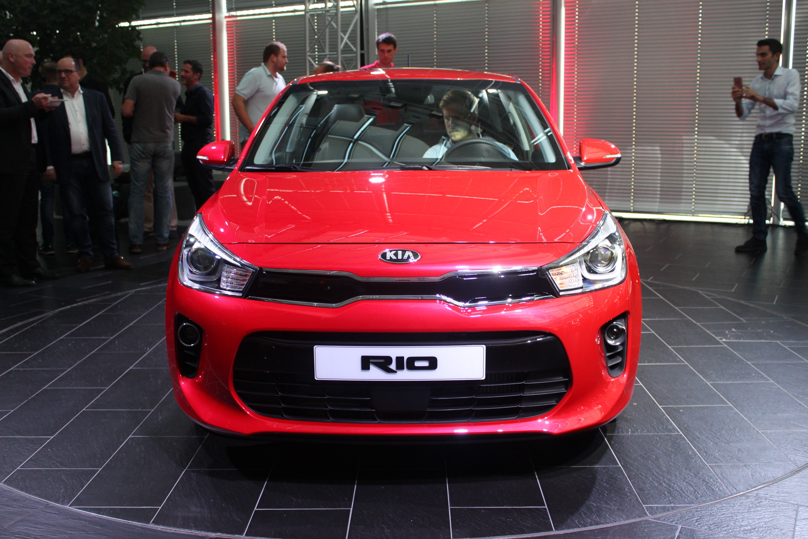 pr sentation vid o kia rio 2017 la confirmation. Black Bedroom Furniture Sets. Home Design Ideas