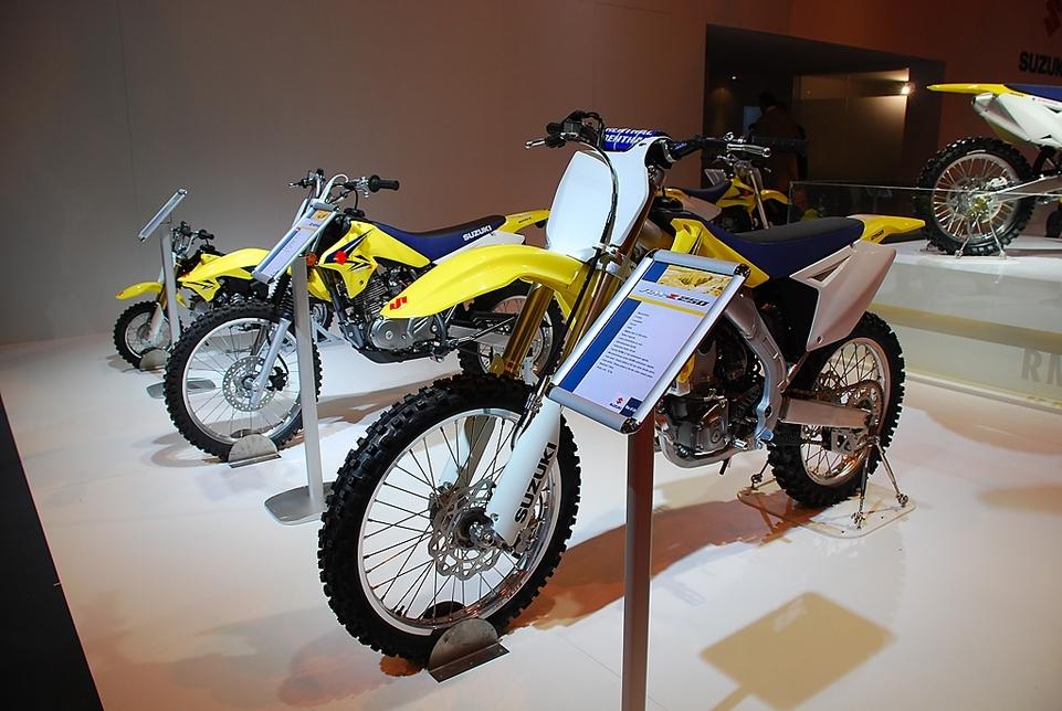 Salon de la Moto 2007 en direct : Suzuki RM-Z 450 et ses petites soeurs