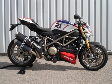 Ducati Streetfighter S Bayliss by Ducati Metz : Fight spirit...