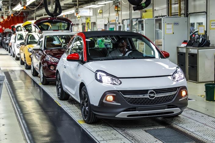 Où en est Opel un an après avoir été acheté par PSA?