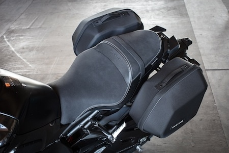 yamaha mt 10 tourer edition prix et dispo. Black Bedroom Furniture Sets. Home Design Ideas