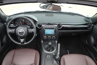 Match vidéo - Mazda MX5 vs Mini Roadster : le tube de l'été