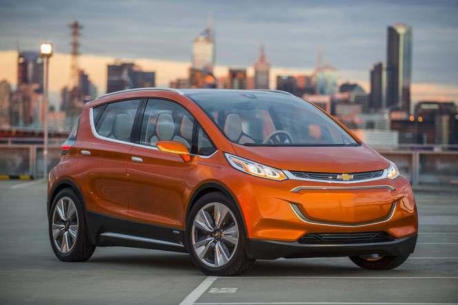 Detroit 2015 : Chevrolet lève le voile sur un concept de citadine branchée capable de rouler 320 kilomètres