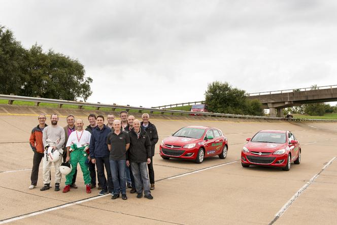 Opel bat le record de vitesse sur 24h avec une Astra 2.0l CDTI