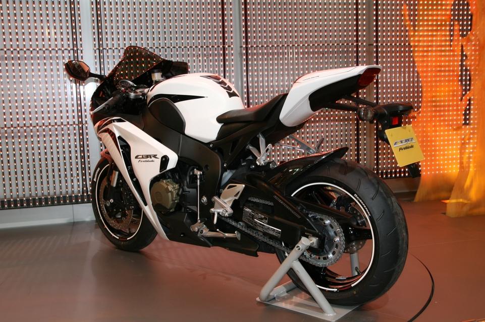 Salon de la moto 2007 en direct : le Portfolio 6, Honda, Harley Davidson et Ducati
