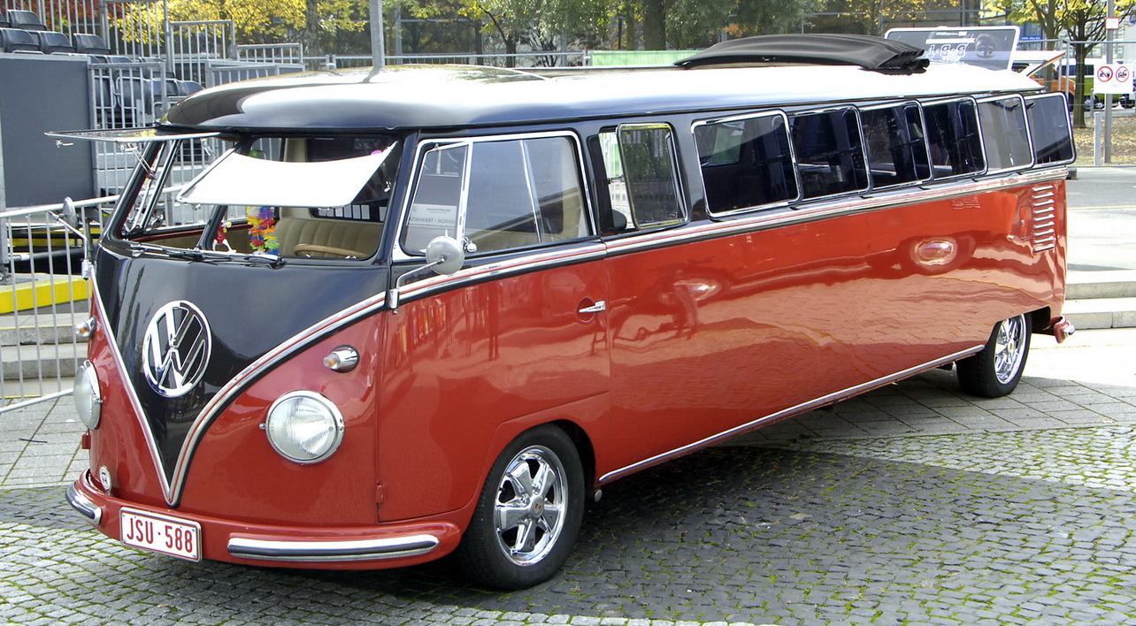 une volkswagen combi limousine. Black Bedroom Furniture Sets. Home Design Ideas