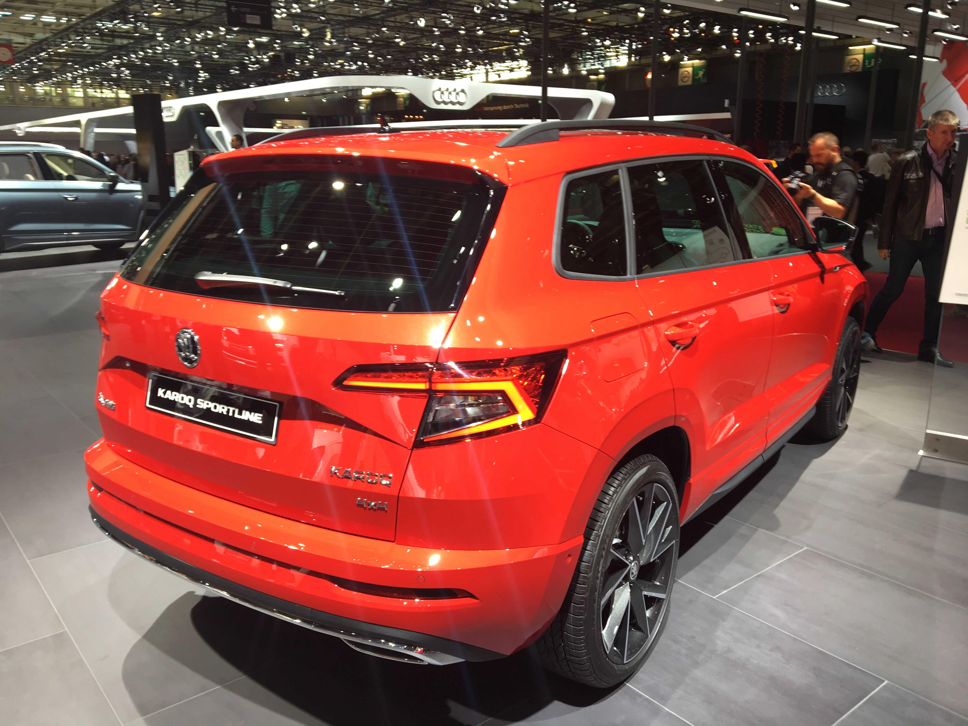 skoda karoq sportline une nouvelle finition en direct du mondial de l 39 auto. Black Bedroom Furniture Sets. Home Design Ideas