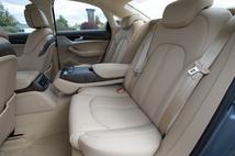 Les places arrière sont spacieuses et confortables