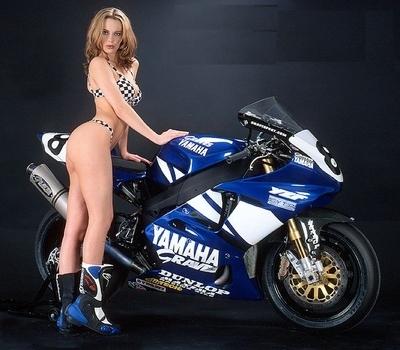 Moto & Sexy : YZF-R1 sous le signe du damier