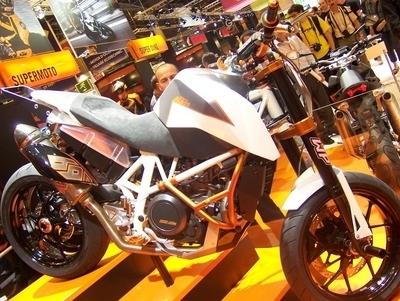 Salon de la moto 2007 : KTM 690 Stunt