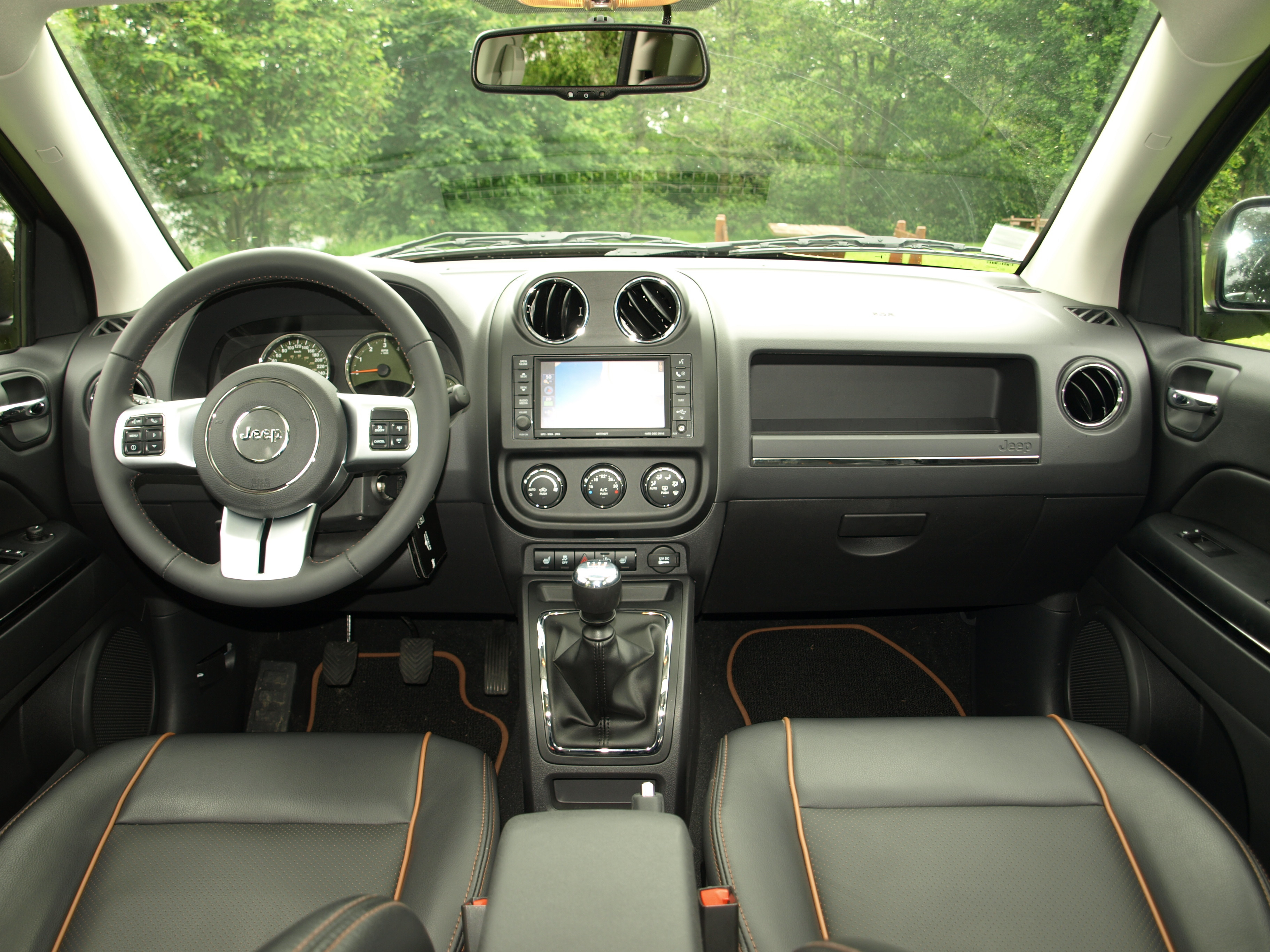 essai jeep compass restyl la grenouille qui voulait se faire aussi grosse que le boeuf. Black Bedroom Furniture Sets. Home Design Ideas