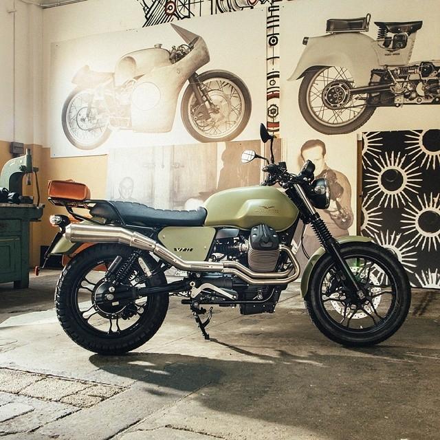 moto guzzi garage pour relooker son v7. Black Bedroom Furniture Sets. Home Design Ideas