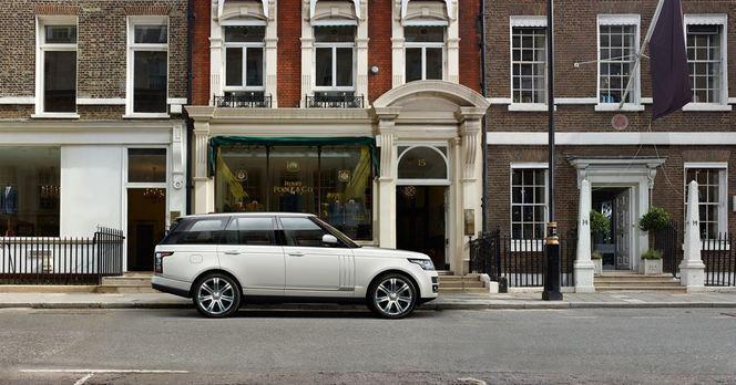 """Nouveau Range Rover LWB: super long et """"upper class"""""""