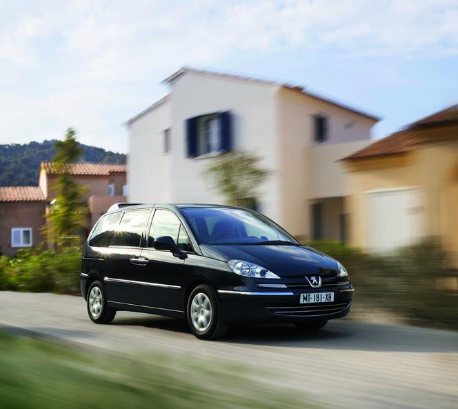 """Le """"vieux"""" Peugeot 807 se repoudre le nez"""