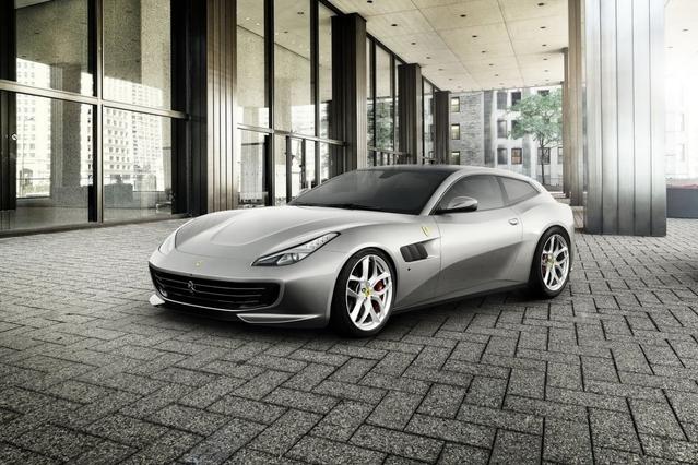 Mondial de Paris 2016 - Ferrari GTC4 Lusso T: descente en gamme