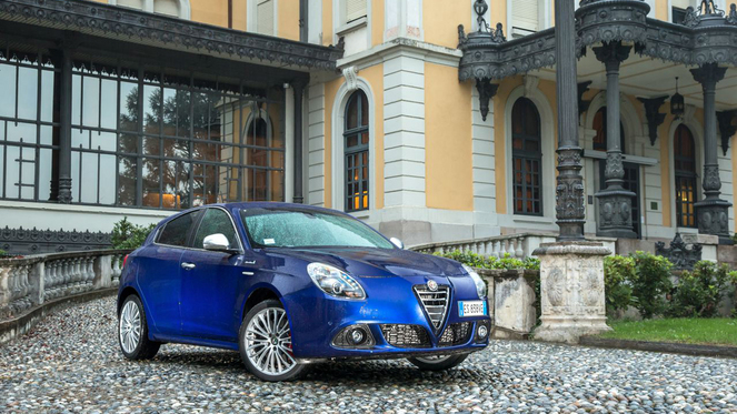 Essai - Alfa Romeo Giulietta restylée : du monde au balcon