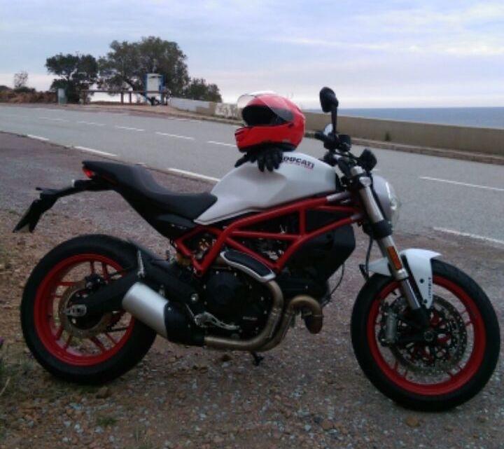 Ducati Monster 797 2017 : premières impressions avant l'essai complet