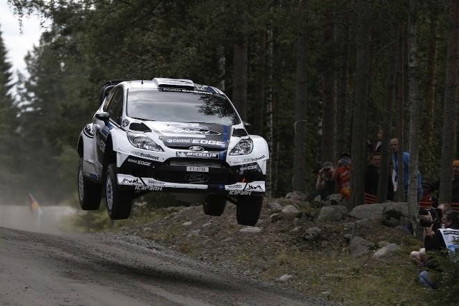 WRC Finlande Jour 2 : Loeb résiste à Hirvonen. A quand les consignes ?