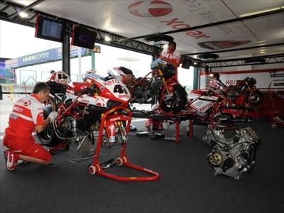 Superbike - Donington Q.1: Fabrizio donne la leçon
