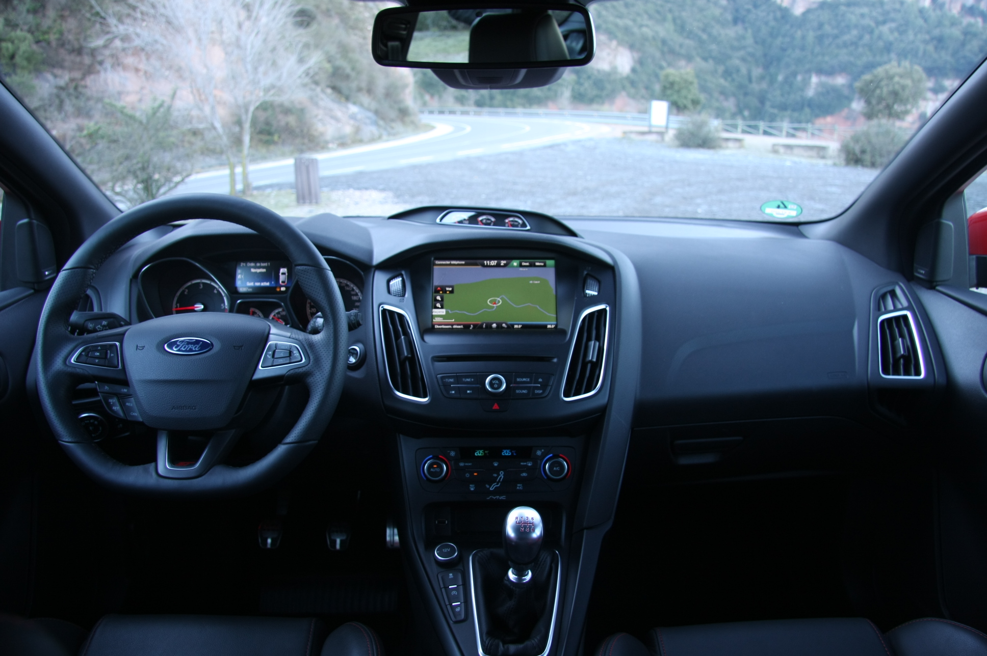 Essai vid o ford focus st restyl e gaz ole for Ford focus 2006 interieur