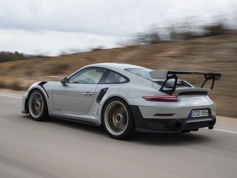 17e. Porsche 911 GT2 RS - 6 cylindres 700 ch - 340 km/h