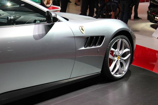 Ferrari GTC4 Lusso T : juste une familiale d'entrée de gamme - vidéo en direct du Mondial de Paris 2016