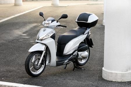 Essai - Honda SH300i C-ABS 2011 : Roi d'une jungle urbaine...