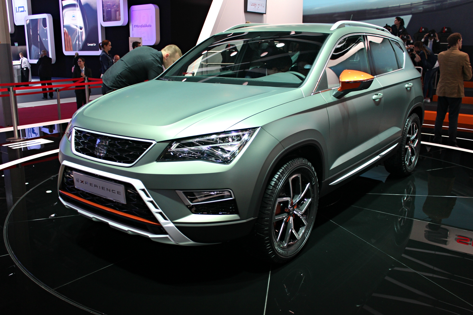seat ateca x perience un peu plus x tr me vid o en direct du mondial de paris 2016. Black Bedroom Furniture Sets. Home Design Ideas