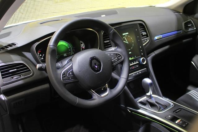 Renault Mégane Estate : et de deux qui fait le break - Vidéo en direct du Mondial auto 2016