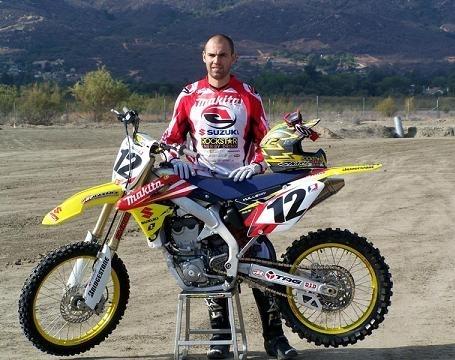 David Vuillemin sur sa 450 Suzuki pour ses trente ans