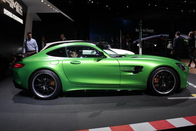 Mercedes AMG GT-R: fabuleuse - Vidéo en direct du Mondial de Paris