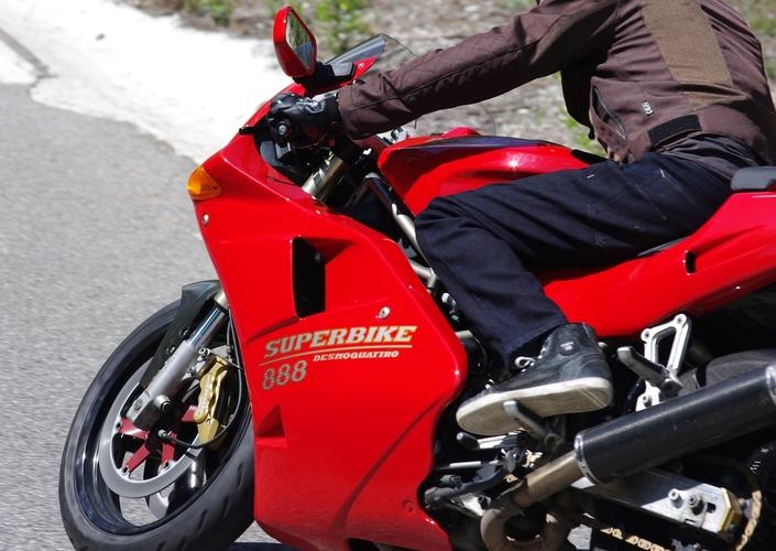 Youngtimers, Beringer disques Aeronal (piste fonte): l'essai (Ducati 888)