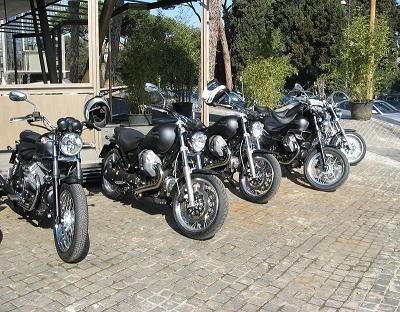 Essai Moto Guzzi Aquila Nera: L'aigle noir a plané sur Rome