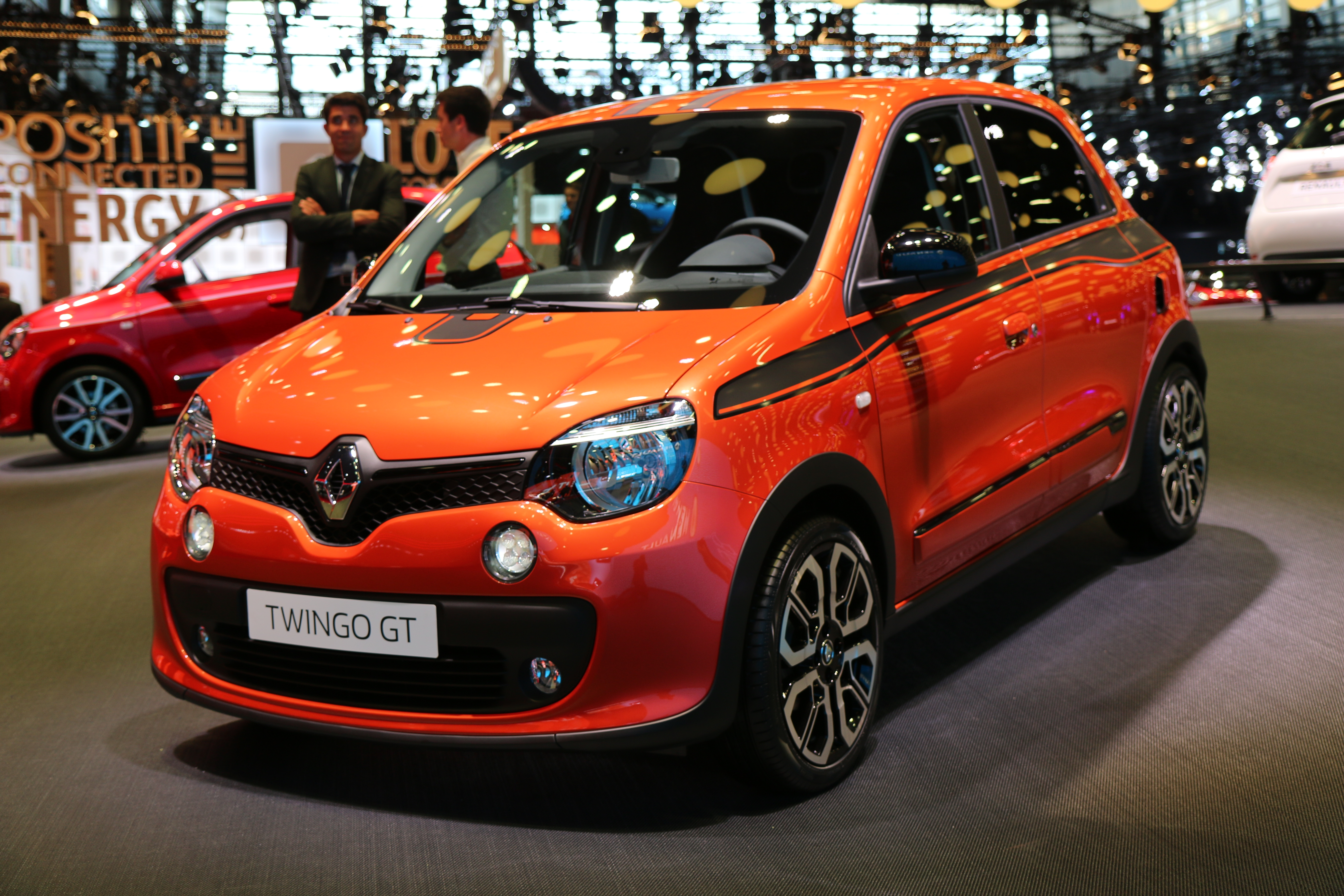 renault twingo gt dynamique vid o en direct du mondial 2016. Black Bedroom Furniture Sets. Home Design Ideas