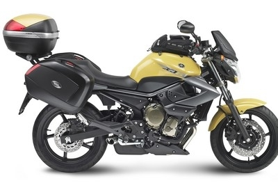 Givi transforme votre XJ6 en roadster de voyage.