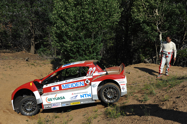 Pikes Peak 2012 3eme section : Romain Dumas toujours devant