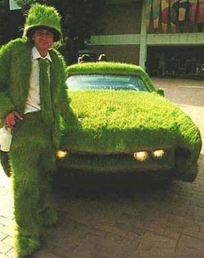 Humour et écologie : la pelouse épouse tout !