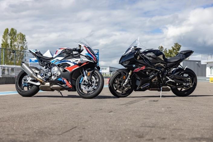 Comparatif - BMW M 1000 RR VS BMW S 1000 RR  : compé client contre best seller S1-comparatif-bmw-s1000-rr-pack-vs-m1000-rr-best-seller-contre-compe-client-675458