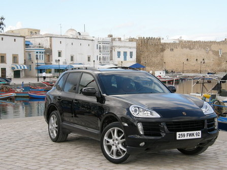 essai vid o porsche cayenne diesel tout fout le camp. Black Bedroom Furniture Sets. Home Design Ideas