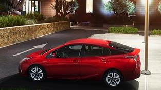 Alors que Hyundai lance tout juste l'Ioniq, Toyota en est à la quatrième Prius.