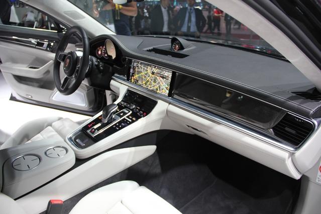 Porsche Panamera : berline filante - Vidéo en direct du Mondial de l'auto 2016