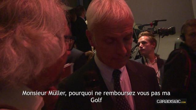 Lors de la soirée d'avant-première de Volkswagen le mercredi 28 septembre, le journaliste de Caradisiac Michel Holtz pose la question qui fâche à Mathias Müller, PDG de Volkswagen.