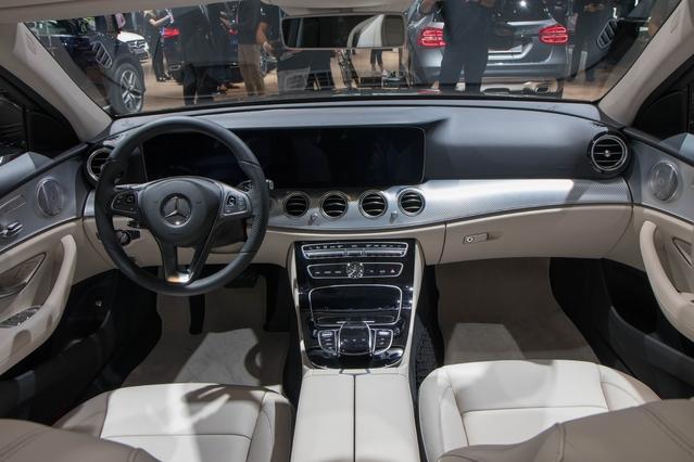 Mercedes Classe E All-Terrain : volume premium - En direct du Mondial de Paris 2016