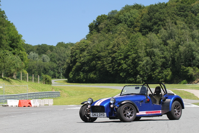 Caterham R300 Superlight au quotidien : jour 7, direction Folembray