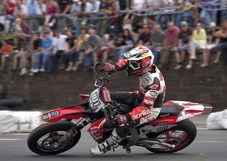 Adrien Chareyre champion du monde Supermoto S1