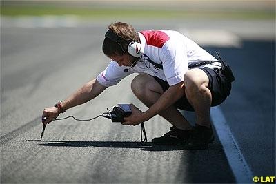 Moto GP 2008: La Dorna abandonne l'idée du manufacturier unique