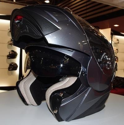 JPMS 2011 comme si vous y étiez: Astone Helmets.