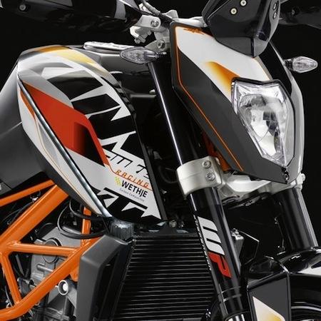 KTM équipe la Duke 390
